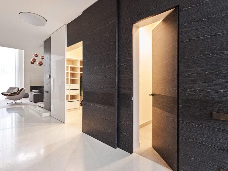 скрытая дверь в гардеробную