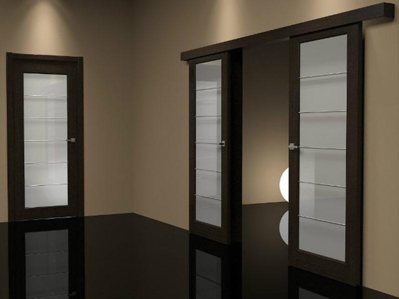 различия раздвижных и распашных дверей