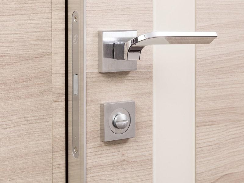 3 популярных замка для межкомнатной двери. Рассмотрим достоинства и недостатки.
